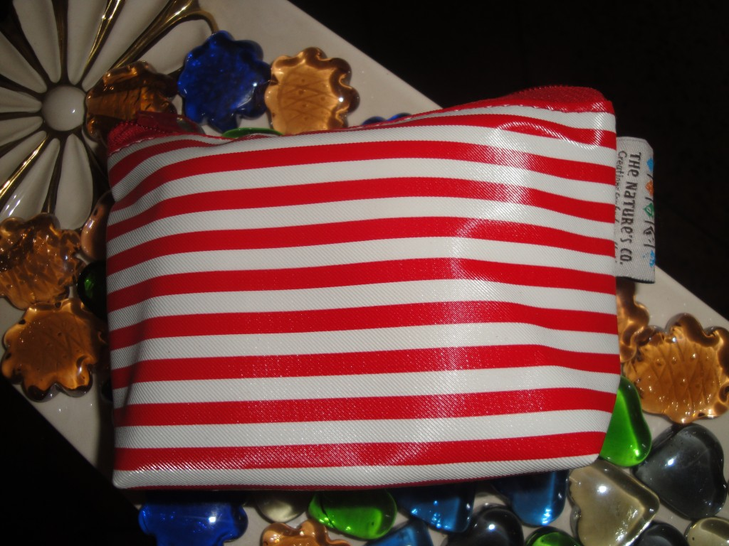 Christmas-gift-from-the-nature's-co-limited-edition-fab-bag