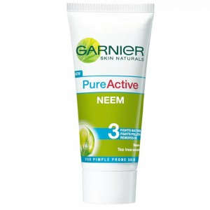 Enjoying-clear-skin-skin-with-Garnier-pure-active-neem-face-wash