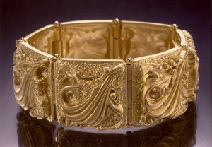 solid gold bracelet-1