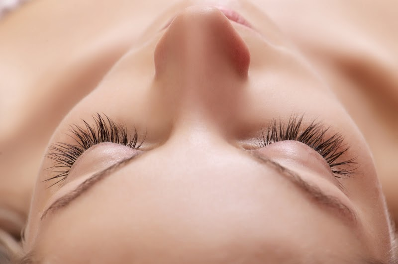 Expert Tips on How to Get Longer Lashes | Dermstore Blog