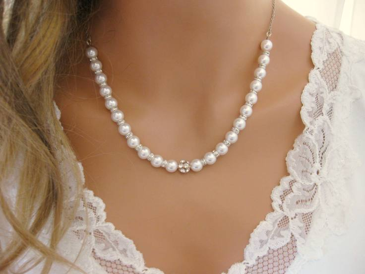 pearl jewellery as symbol of charm and sex appeal
