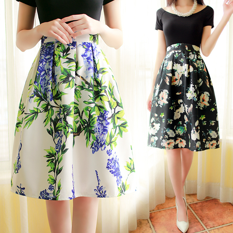 90s fashion trend floral skirt
