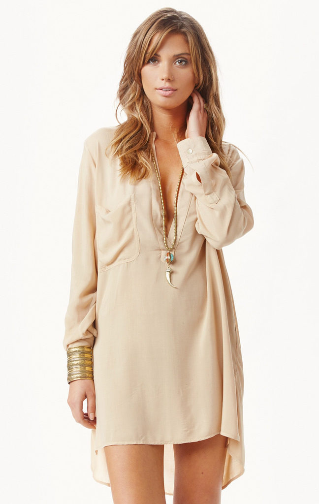 how-to-wear-a-tunic-for-the-most-flattering-look