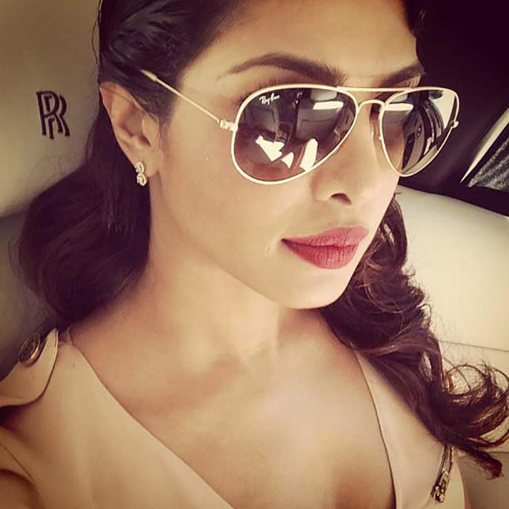 Aviator Sunglasses to Look Chic