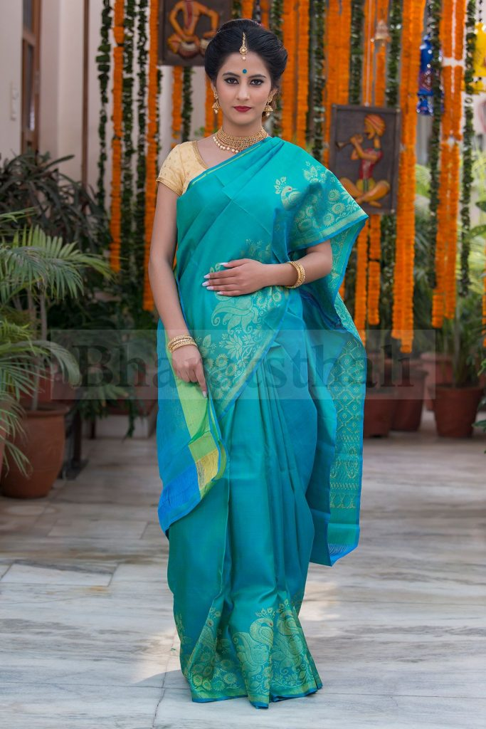 Classy and beautiful, this silk saree is the epitome of grace and charm. An exemplary piece of excellent craftsmanship and unique style, this saree is just the right pick to set the mood right!