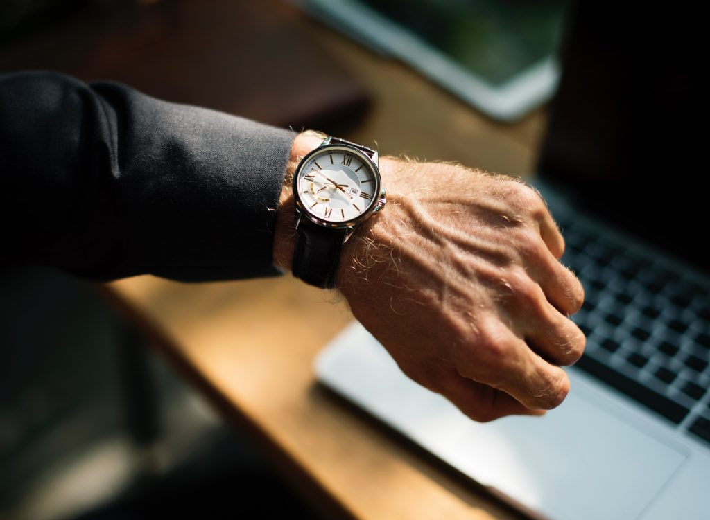 How to Choose the Right Watch For Your Husband