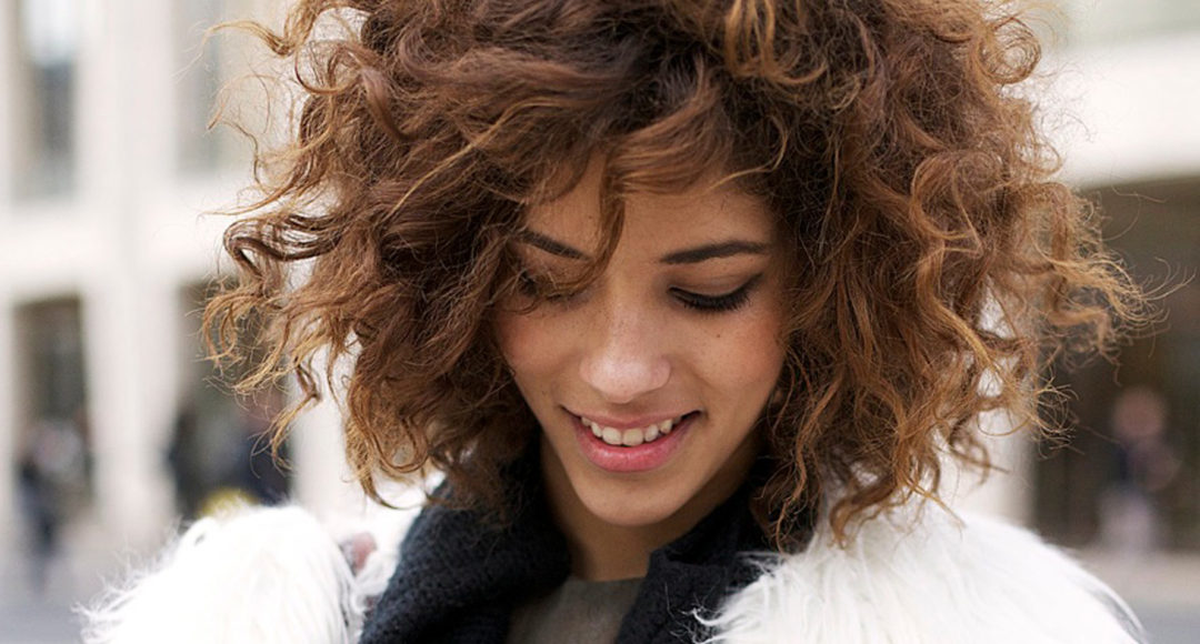 Cute Curly Hairstyles To Rock On Valentine S Day