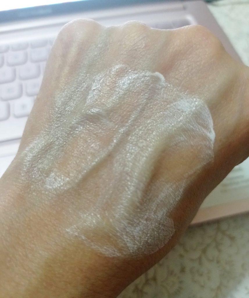 VLCC De-Tan SPF 50 PA +++ Sunscreen review